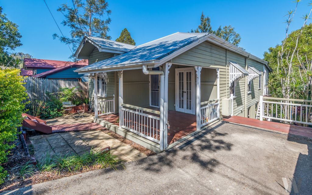 Elevation and Character in Leafy Toowong
