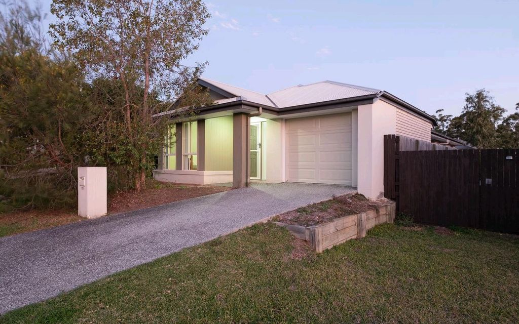 LOW MAINTENANCE FAMILY HOME