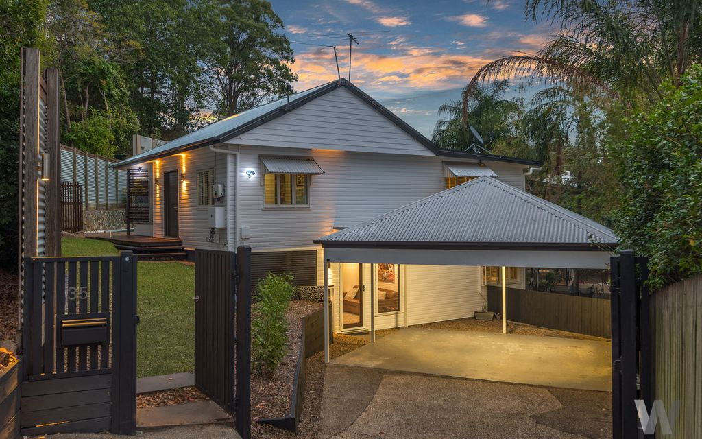 Elevated Bardon beauty perfect for entertaining
