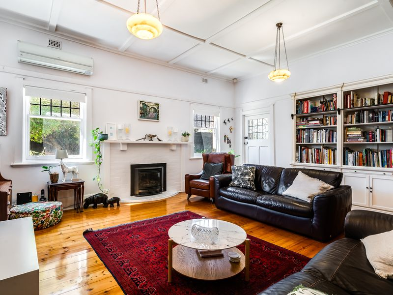 A Bungalow like no other and an opportunity to be seized: either way this one is a must see