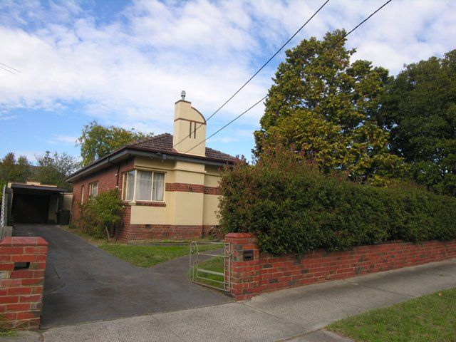 LEASED Spacious Period Style