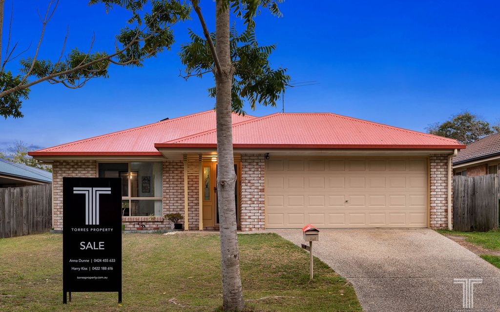 Perfect Family Home Opposite Natural Bush Reserve