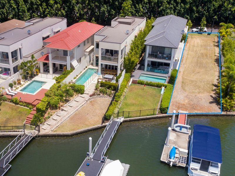 North Facing Waterfront Land- With 12m Pontoon