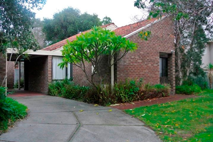2 x 1 REAR VILLA IN QUIET COMPLEX. GREAT SOUTH PERTH LOCATION CLOSE TO ANGELO STREET!