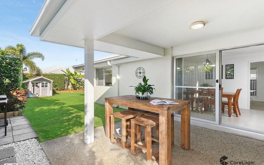 Private and immaculately presented family home