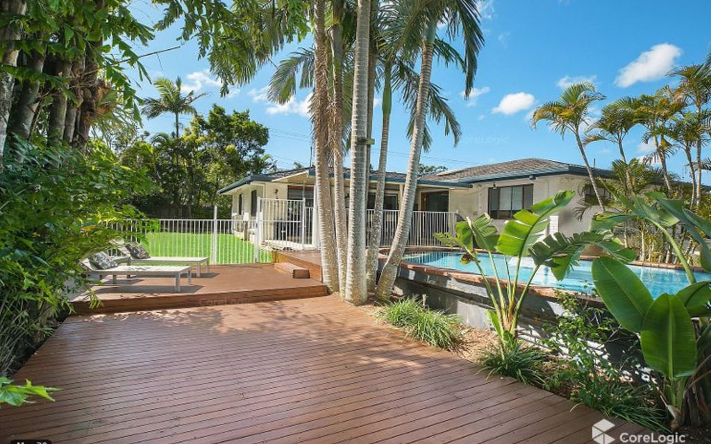Enjoy a relaxed coastal lifestyle with a pool on a 908sqm parcel