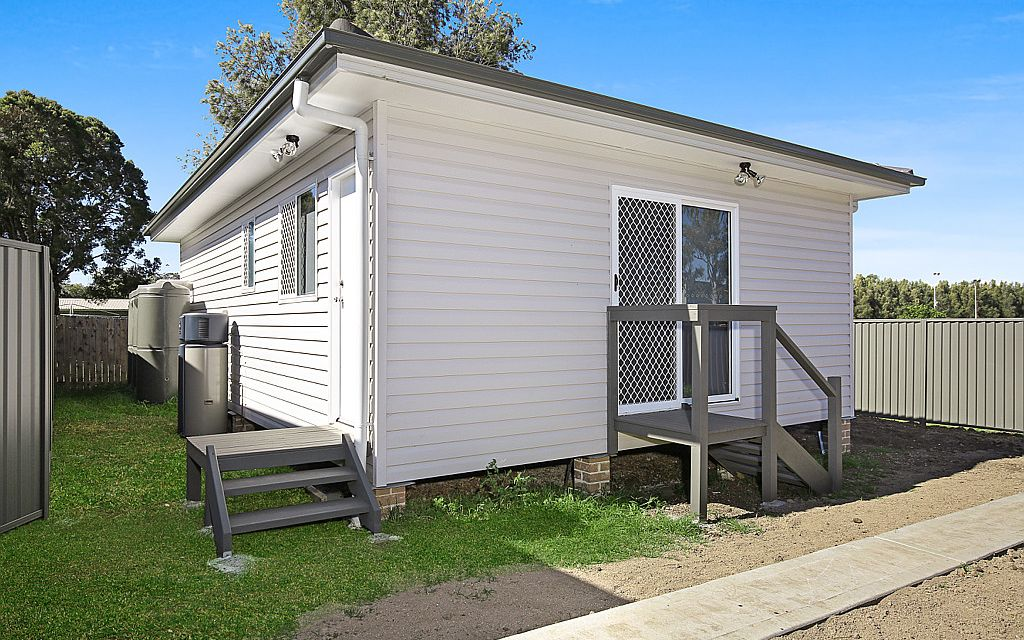SPACIOUS 2 BEDROOM GRANNY FLAT!