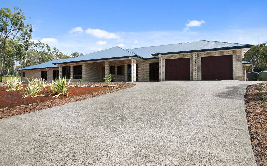 EXPRESSIONS OF INTEREST! Rural lakeside estate less than 15km from the heart of Noosa