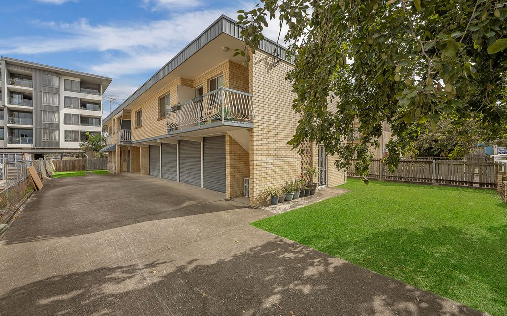 An Immaculate Unit & Great Location