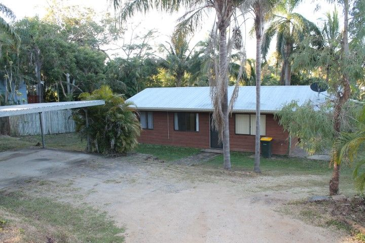 Pet permitted – Beach-side at Eimeo Village – Mowing Included