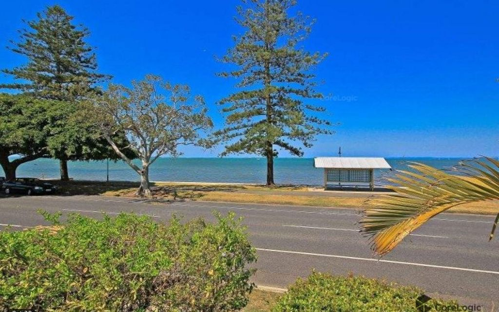 Waterfront Land with Commercial Opportunity on 463m2