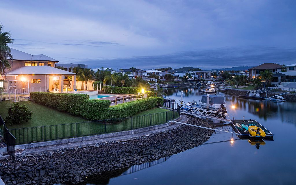 SPACIOUS WATERFRONT FAMILY HOME LOADED WITH FEATURES INCLUDING SEAPAN, JETSKI DOCKS, ROOM TO PARK YOUR CARAVAN, TRAILER AND MUCH MORE!!!