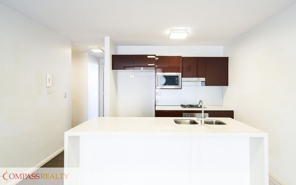 Bargain 1 bedroom apartment @ VSQ