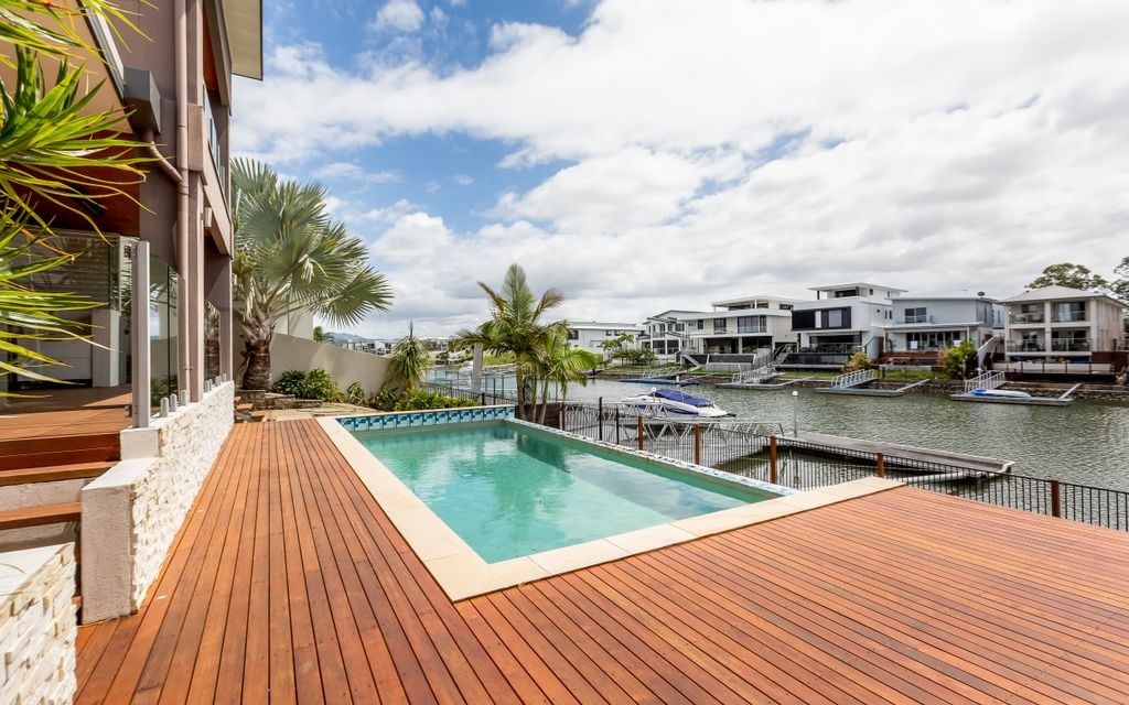 SPACIOUS WATERFRONT HOME WITH DUAL LIVING, PONTOON AND POOL
