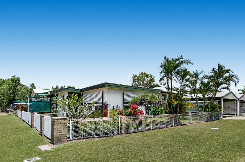 LOWSET HOME ON A 774M2 CORNER BLOCK CLOSE TO ALL AMENITIES, RECENTLY RENOVATED.