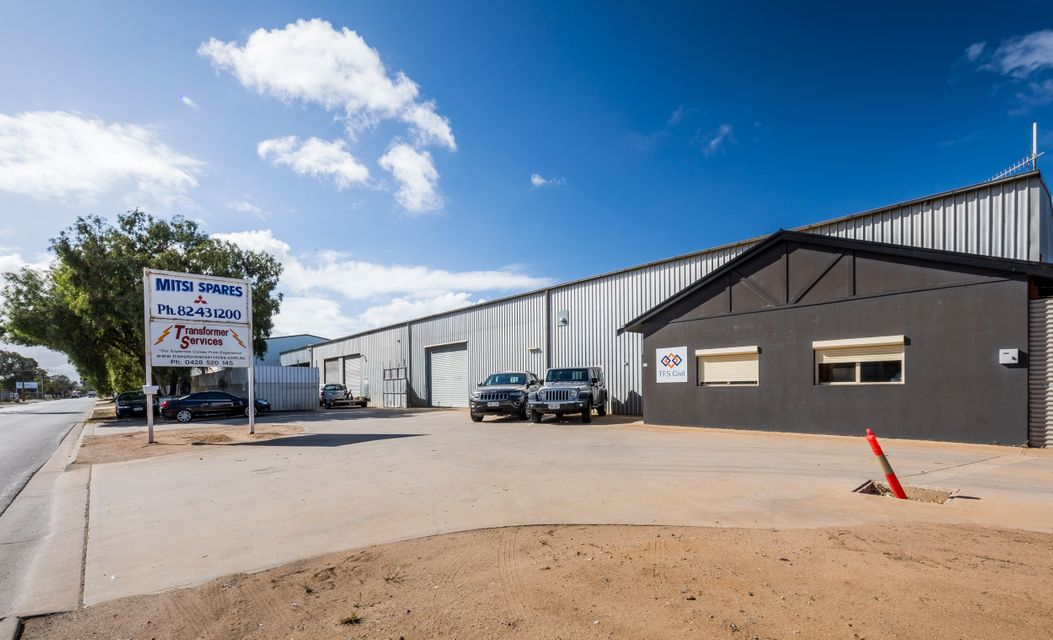 FULLY LEASED WAREHOUSE