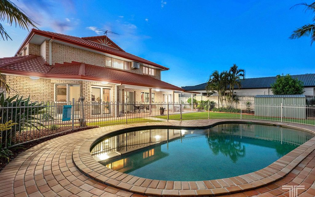 Exquisite Family Home – Live, Work and Entertain
