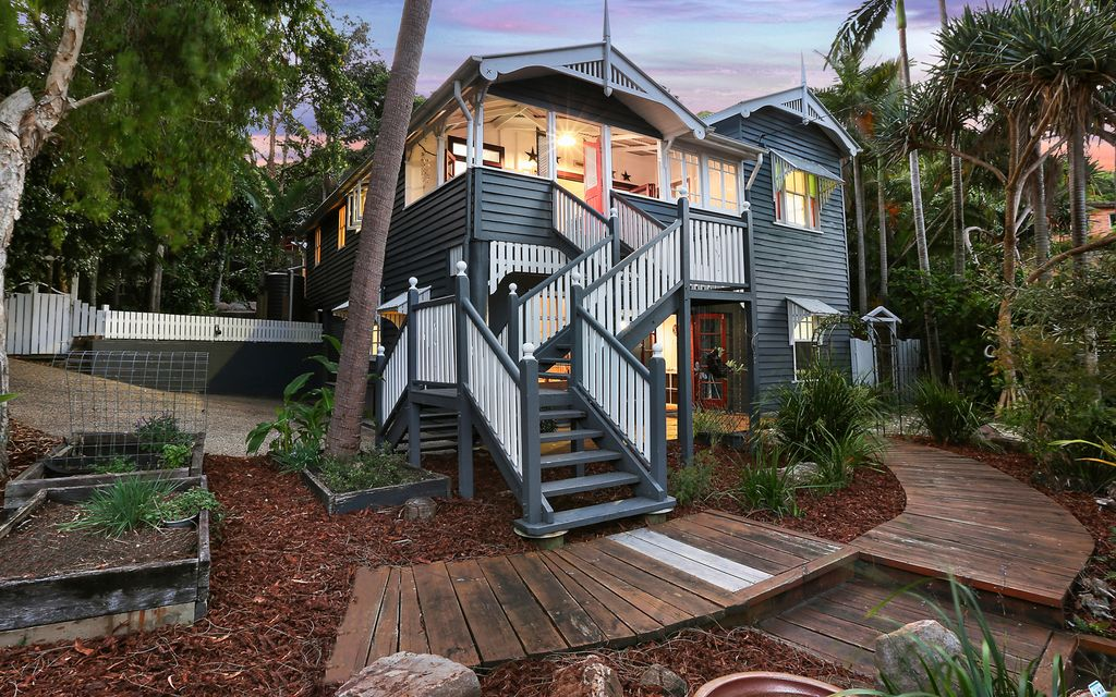 Iconic Queenslander with spectacular ocean views
