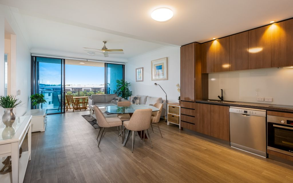 BRING YOUR BAG AND MOVE ON IN – FULLY FURNISHED APARTMENT, CENTRAL LOCATION
