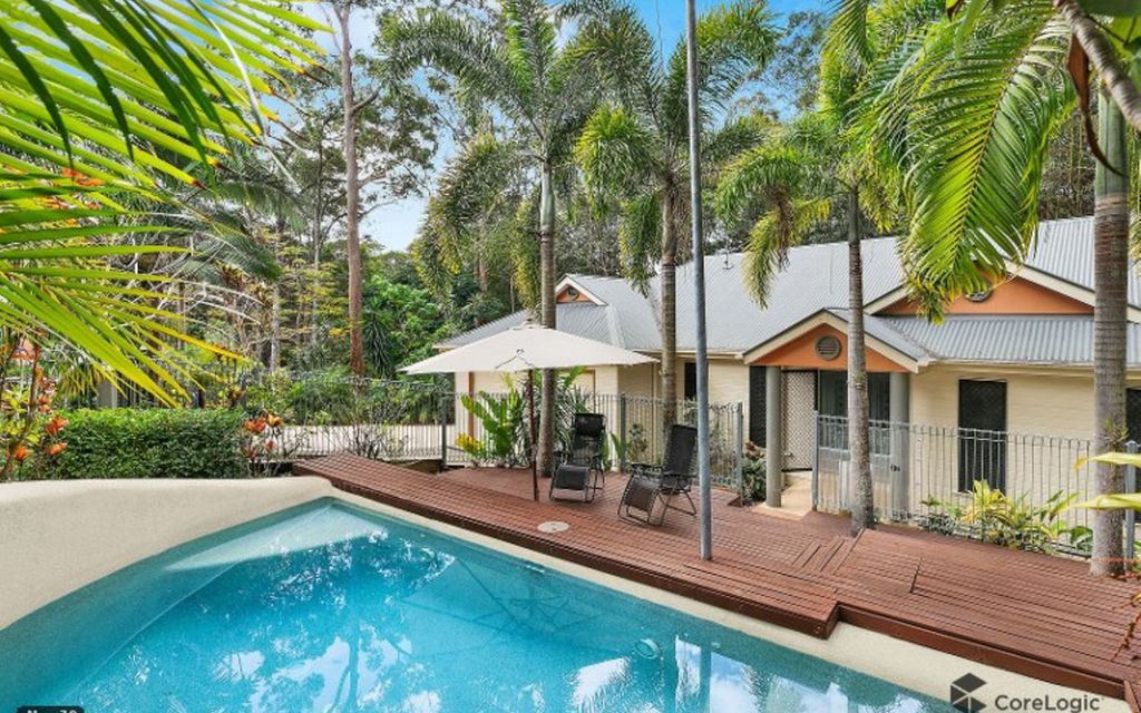 Family haven wrapped in tranquil bush surrounds