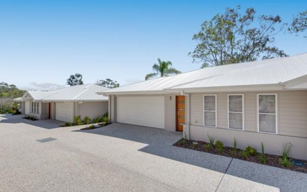 THREE BEDROOM VILLA-STYLE HOME IN IDEAL LOCATION