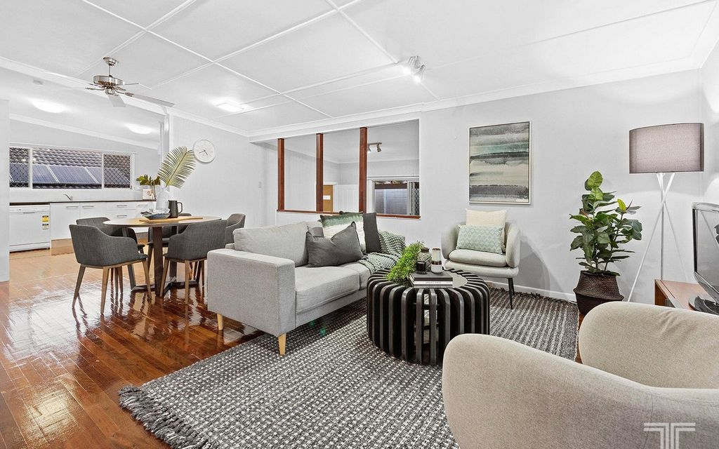 Renovated Home in Sought-After Robertson State School Catchment