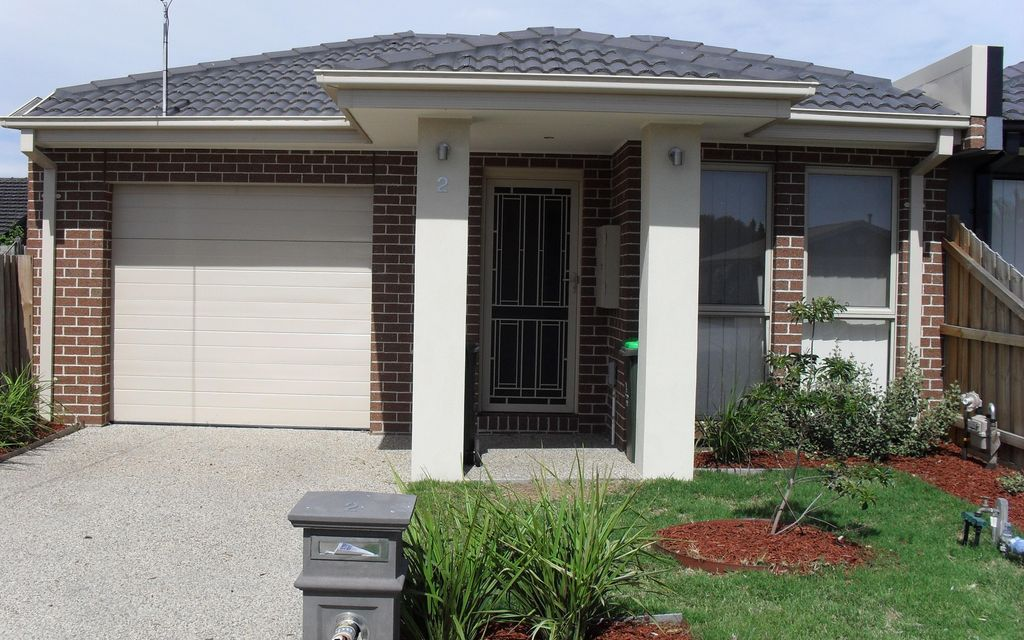 QUALITY HOME IN ALTONA MEADOWS