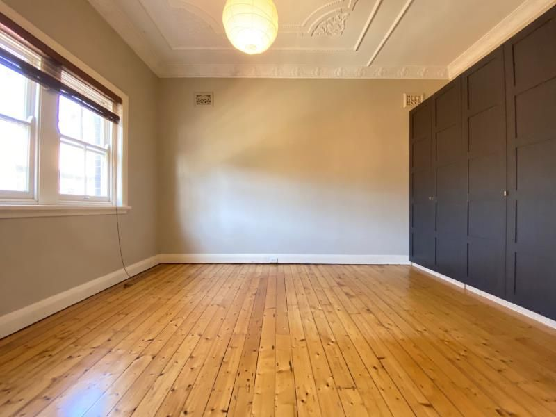 RENOVATED ONE BEDROOM APARTMENT IN THE HEART OF CLEVELAND STREET