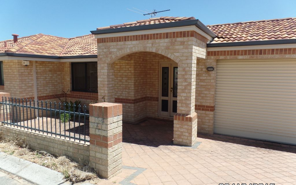 Great Villa Close to Freeway and All Amens – PRICED REDUCED!!!