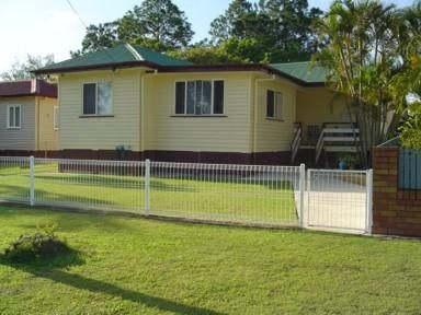 Lovely family home awaits you!