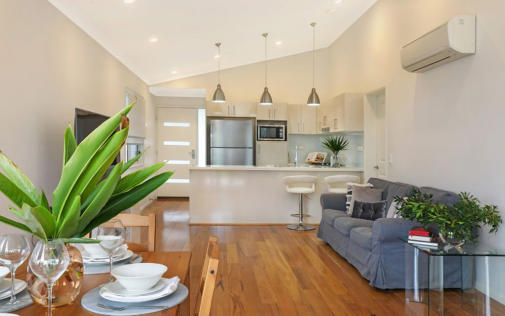 Modern chic home positioned for ultimate convenience walking distance to Maroochy River