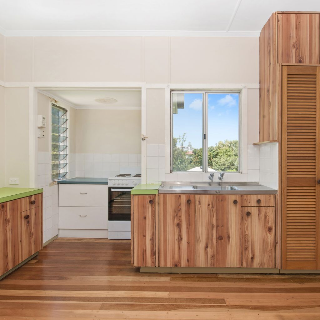 Affordable Post War Home – Close to Everything!