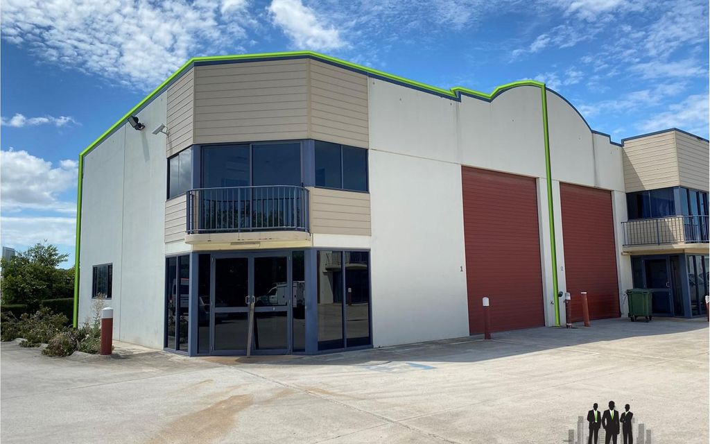 Great Warehouse/Showroom Opportunity
