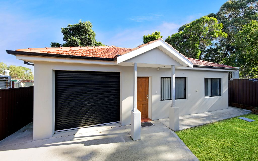 Completely Private Granny Flat – Fully Fenced & Separate Entry