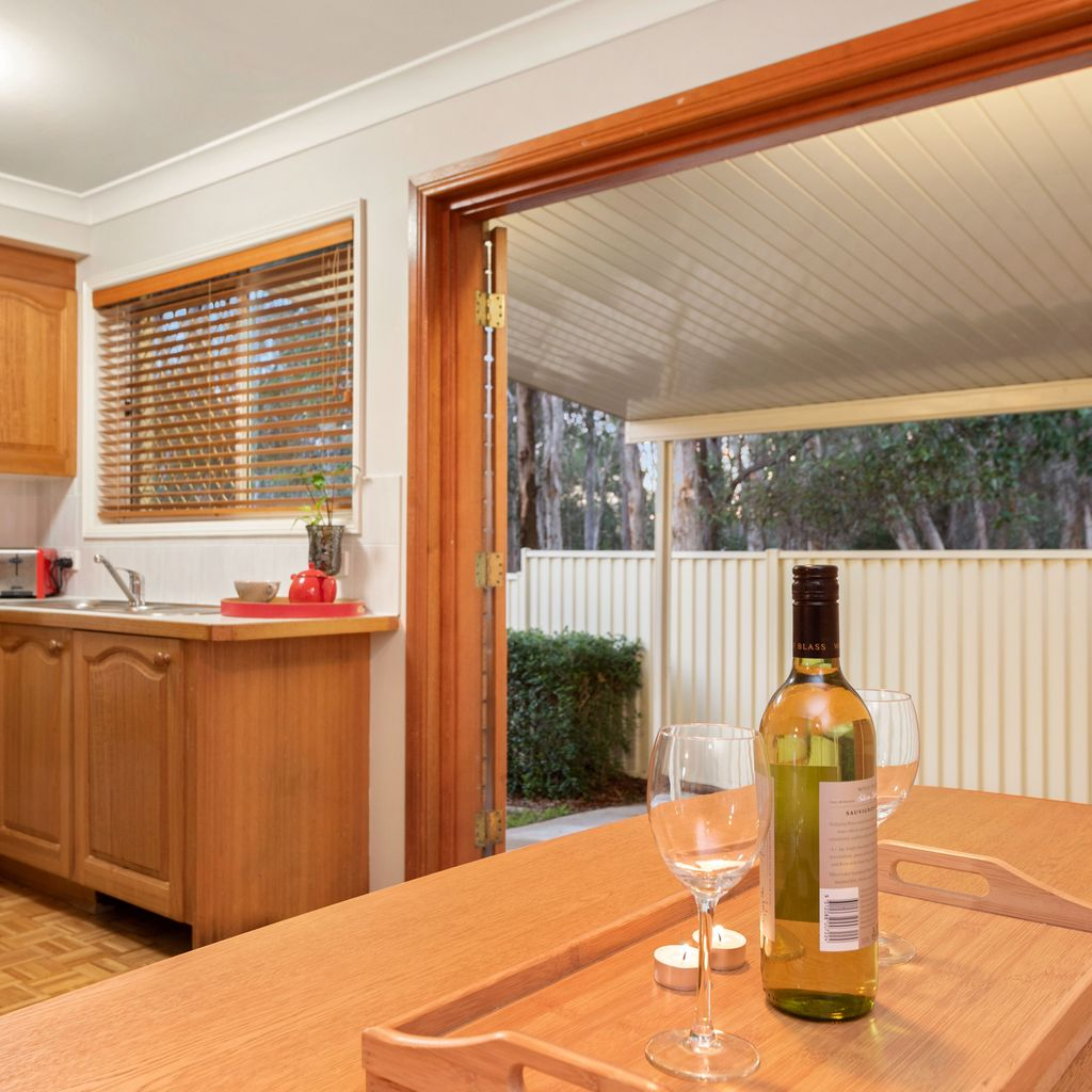 Prime Wishart Townhouse, walk to Mansfield SHS, OWNER MUST SELL!
