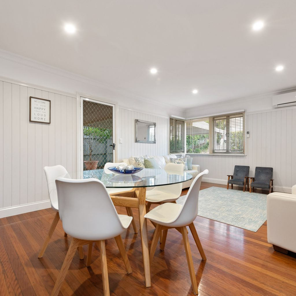 868m2 of opportunity on one of Tarragindi's best streets!