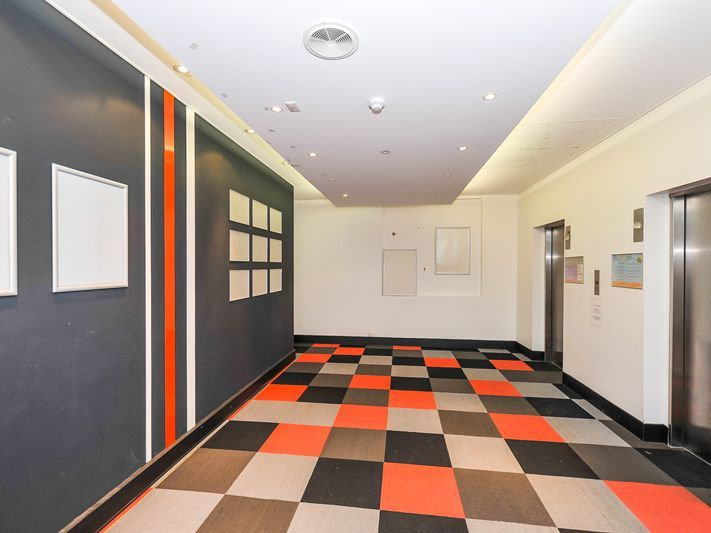 847SQM – FULL FIT OUT IN PLACE – DESKS IN PLACE – LEVEL 7 – FITTED OUT