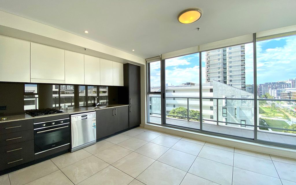 Fully Renovated 2 Bedroom Apartment in Zetland
