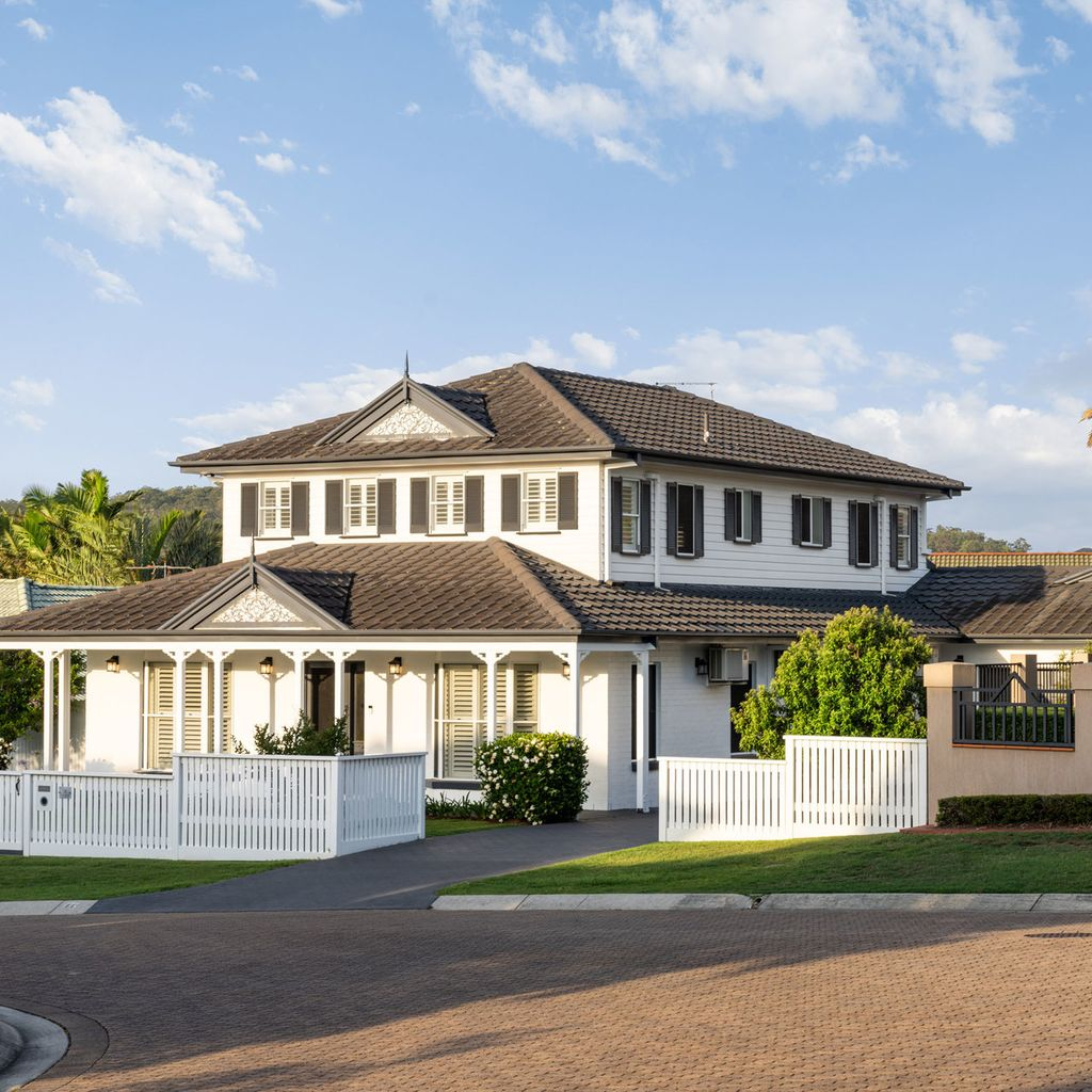The Liberty of Luxury Living – American Colonial-Style Residence