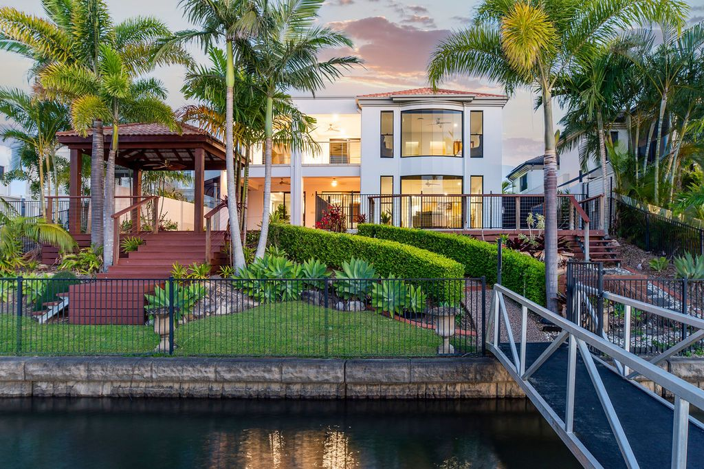 Private Waterfront Living