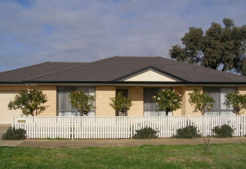 3 BEDROOM, WELL LOCATED TOWNHOUSE SHEPPARTON