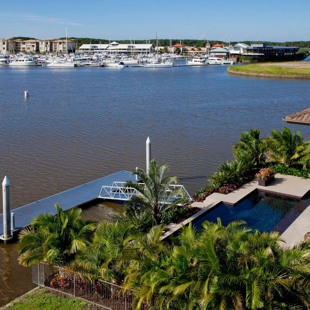 Immaculately Presented, North Facing Waterfront Home