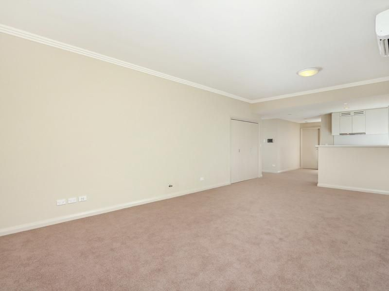Large one-bedroom apartment for rent!