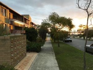 341682 BEDROOM APARTMENT WALKING DISTANCE TO RIVER AND PARKLANDS