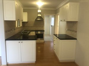 34211Ground Floor Furnished Renovated Unit Close to River and City