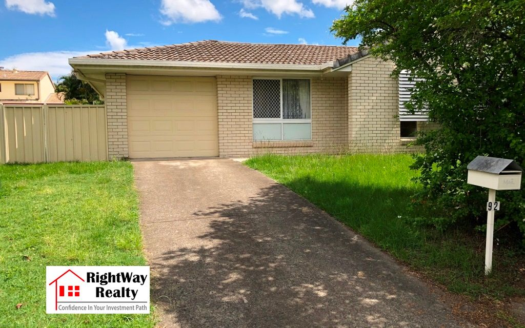 Spacious home within 1km to Middle Park shops