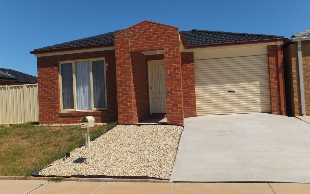 Neat and Tidy Three Bedroom Home South Shepparton