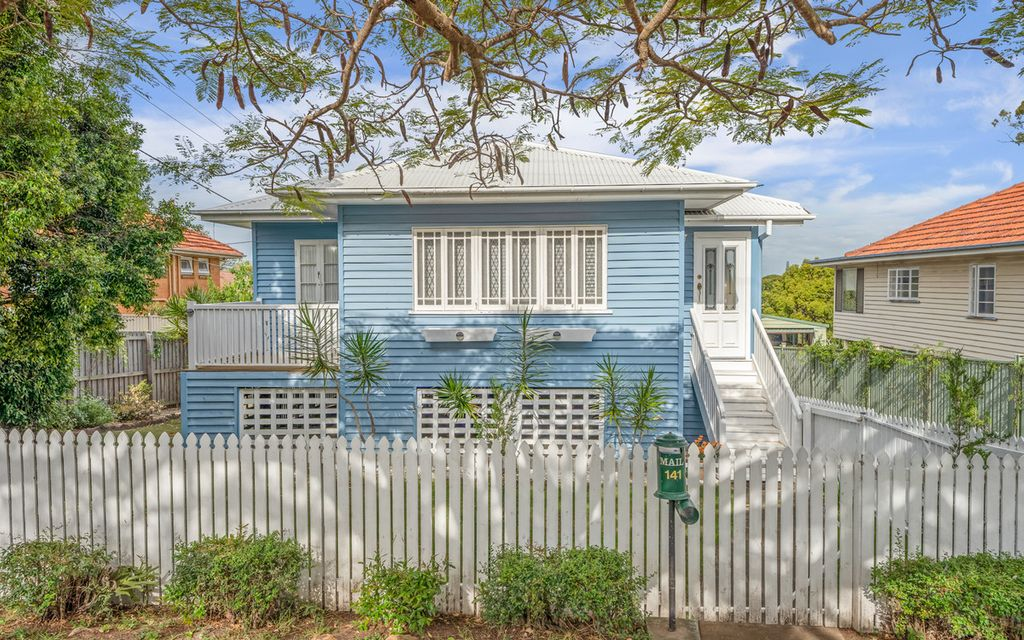 Charming Family Living in Wavell Heights