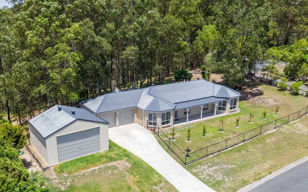 HINTERLAND ACREAGE  – LET NATURE AND THE BIRDS BE YOUR NEIGHBOURS!  Bonus –  huge shed for your motor home, caravan, boat etc..