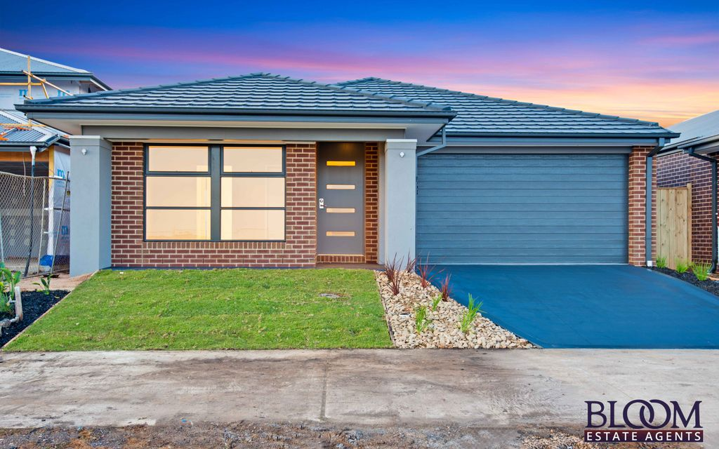 Brand New Home in a desirable The Grove Estate  !!